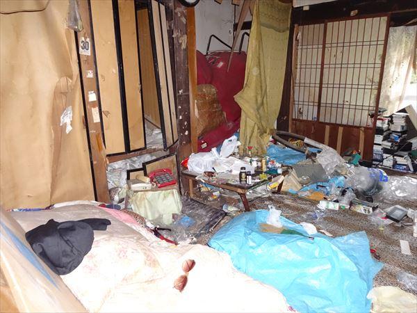 北九州市八幡西区 ゴミ屋敷の片付け(解体までに間に合わせて!)